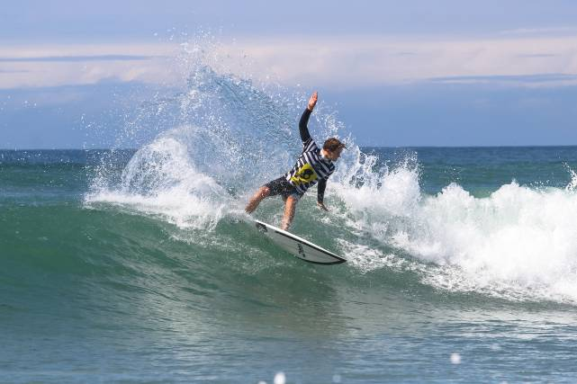 Caption: David van Zyl (Glenashley) is the defending Men's champion and top seed for the Nelson Mandela Bay Surf Pro starting in Port Elizabeth on Thursday  Photo: WSL / Thurtell